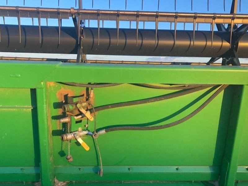 2006 John Deere 630R Platform