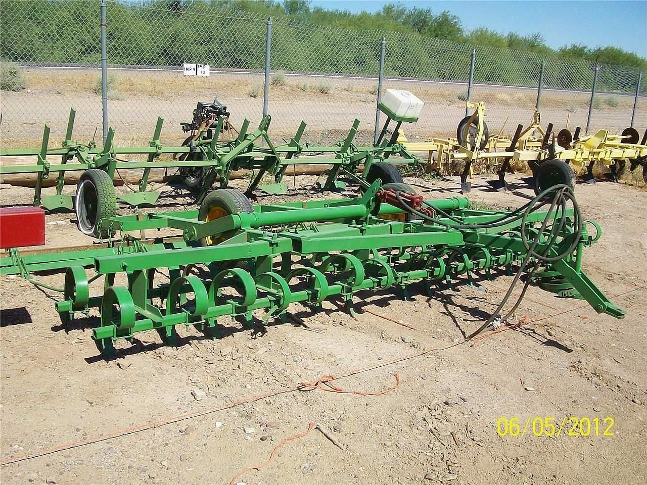 John Deere 32 Field Cultivator