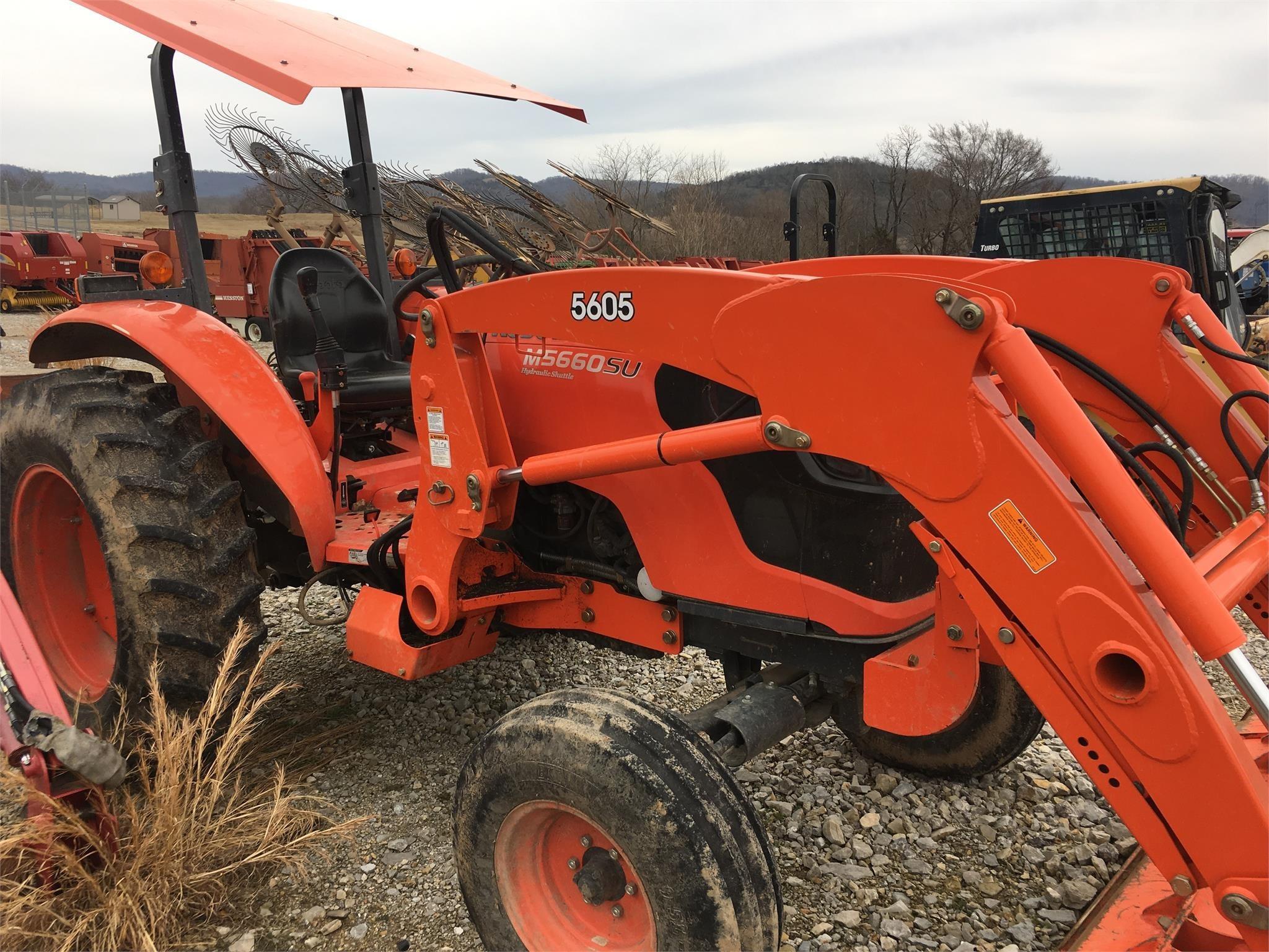 2015 Kubota M5660SUH Tractor
