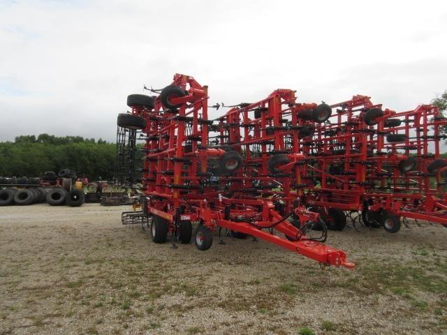 2022 Krause 5635 Field Cultivator