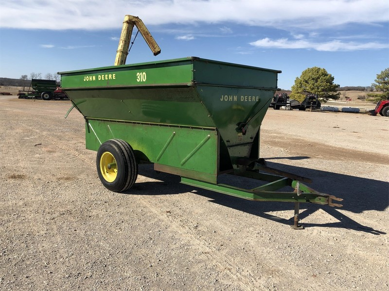 John Deere 310 Grain Cart