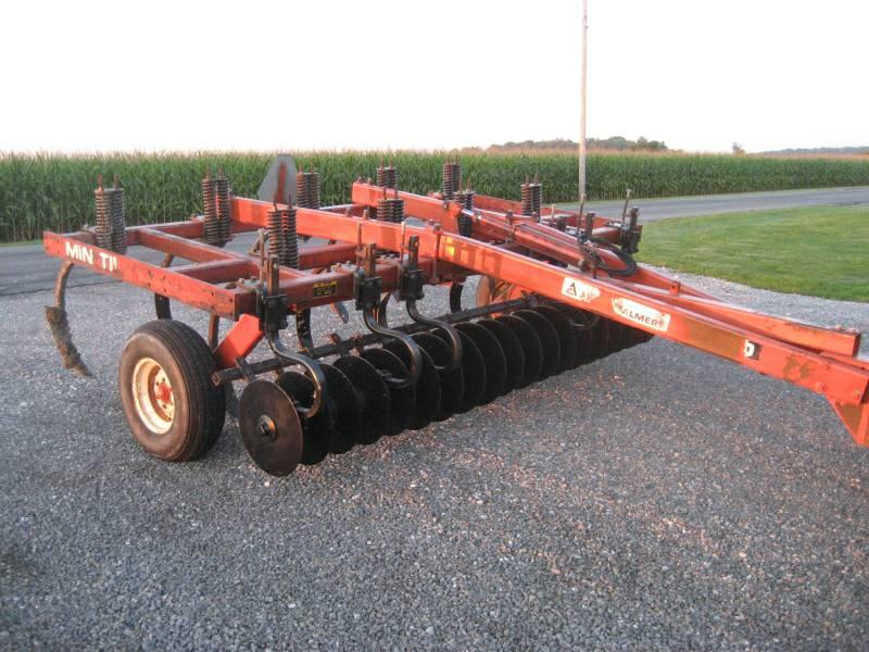 Allis Chalmers 1500 Chisel Plow