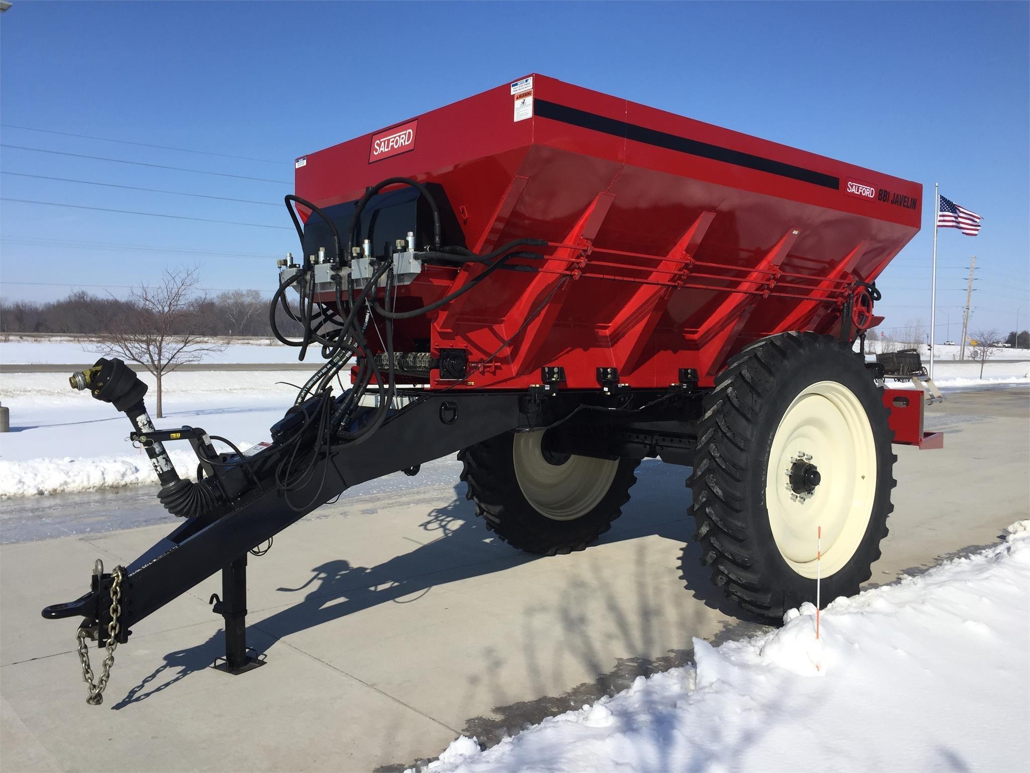 2018 BBI Javelin Pull-Type Fertilizer Spreader