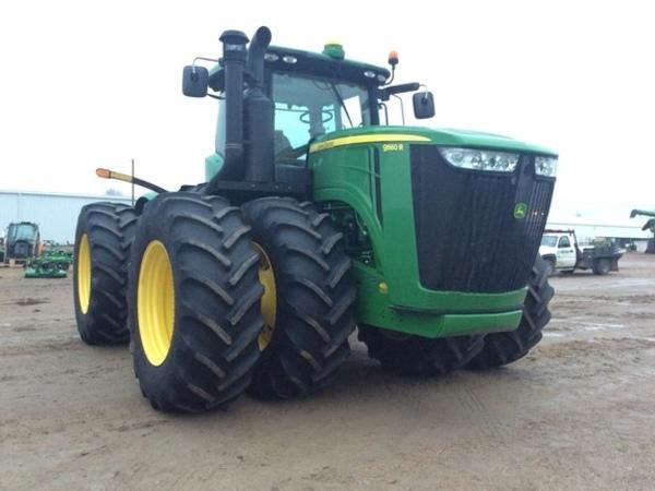 2014 John Deere 9560R Tractor