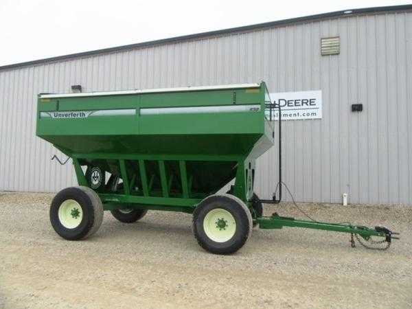 2012 Unverferth 530 Gravity Wagon