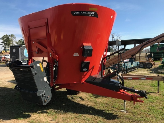 2018 Kuhn Knight VS 143 Grinders and Mixer