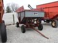Yetter B181 Gravity Wagon