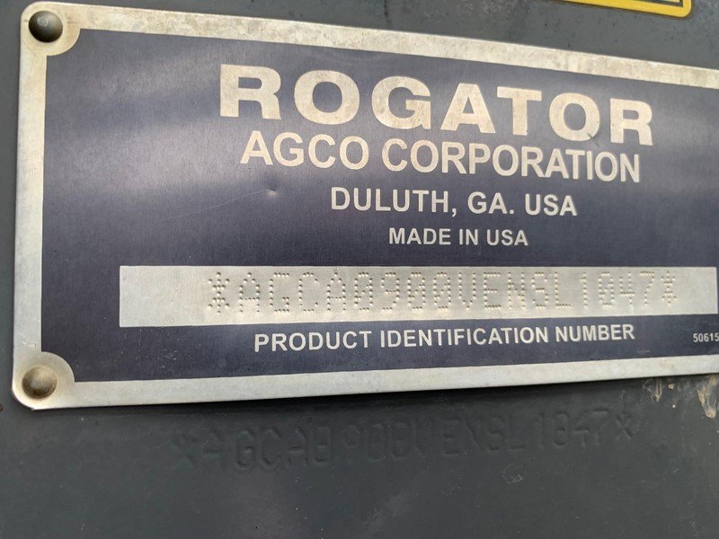2014 ROGATOR RG900 Self-Propelled Sprayer