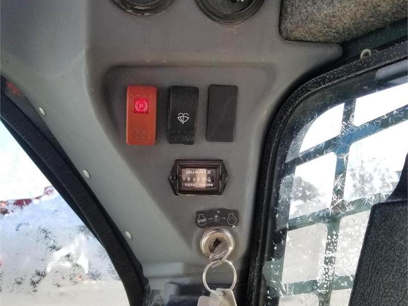 2011 Gehl V270 Skid Steer