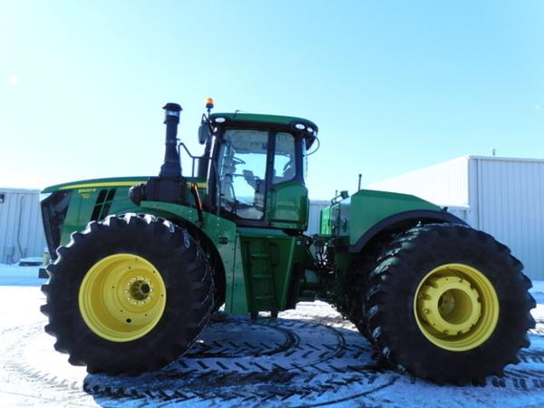 2016 John Deere 9620R Tractor