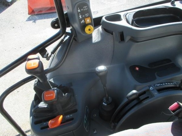 2003 New Holland TS90 Tractor