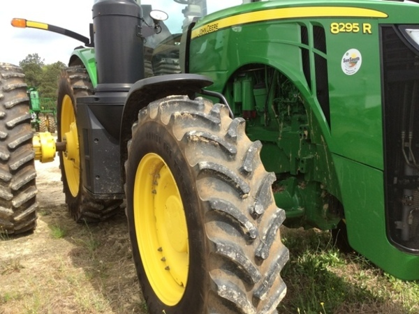 2016 John Deere 8295R Tractor