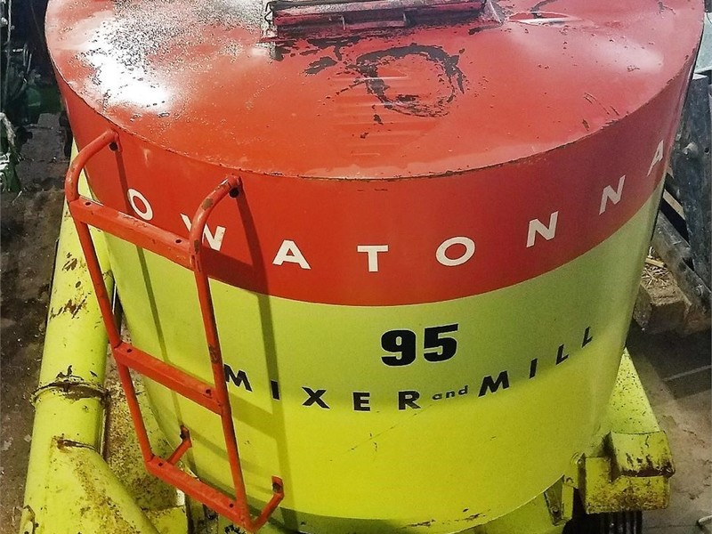 Owatonna Manufacturing 95 Grinders and Mixer