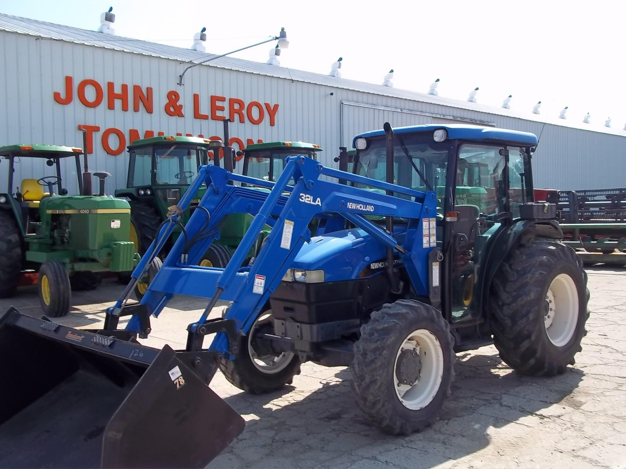 2001 New Holland TN65D Tractor