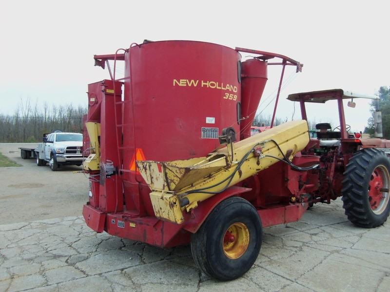 New Holland 359 Grinders and Mixer