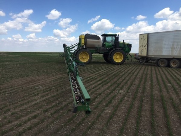 2017 John Deere R4045 Self-Propelled Sprayer