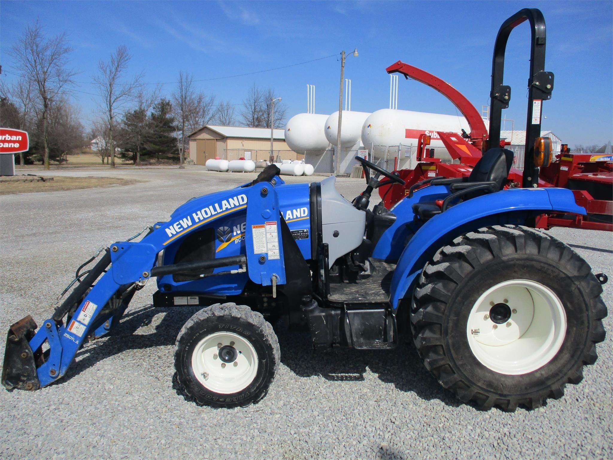 2014 New Holland Boomer 37 Tractor