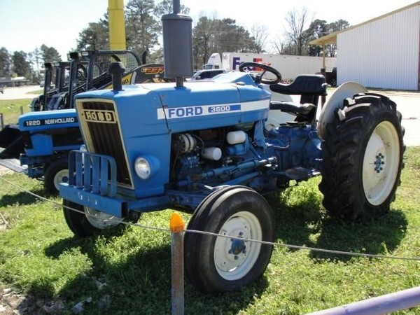 1975 New Holland 3600 Tractor