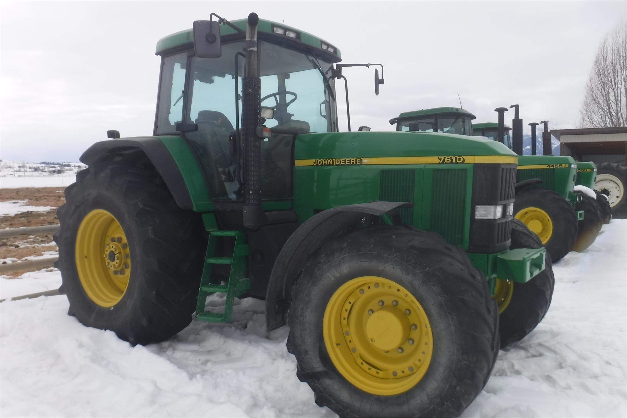 2001 John Deere 7610 Tractor