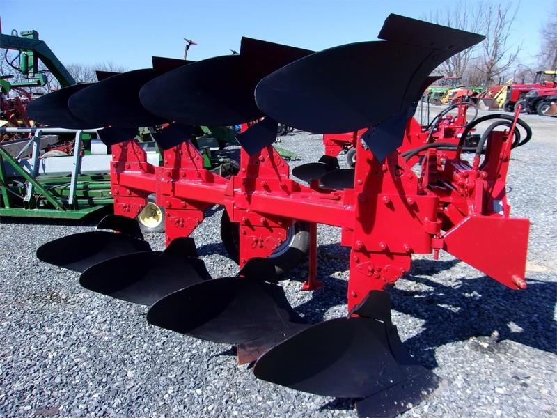 Massey Ferguson 57 Plow