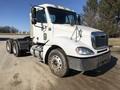 2003 Freightliner Columbia 120 Semi Truck
