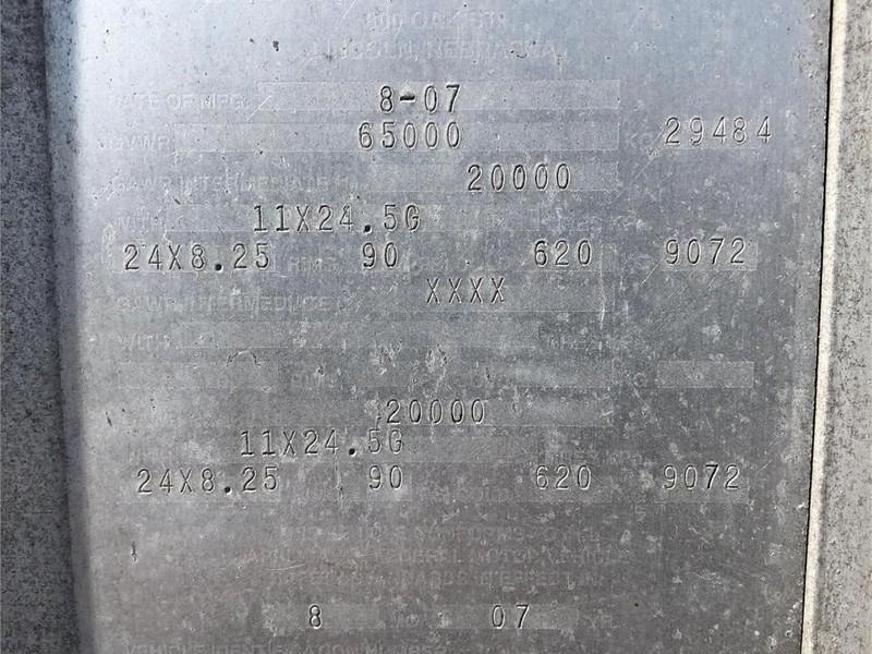 2008 Cornhusker 800 Grain Trailer