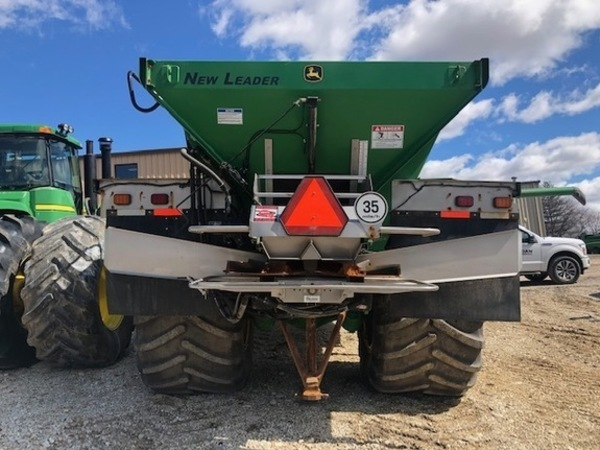 2017 John Deere F4365 Self-Propelled Fertilizer Spreader