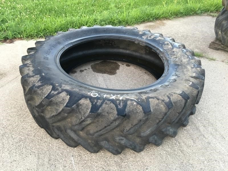 Armstrong 18.4X42 Wheels / Tires / Track