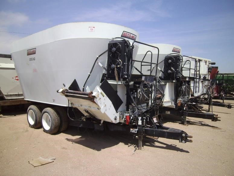 2011 Roto Mix 1355 Grinders and Mixer