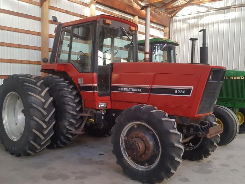 1984 International Harvester 5288 Tractor