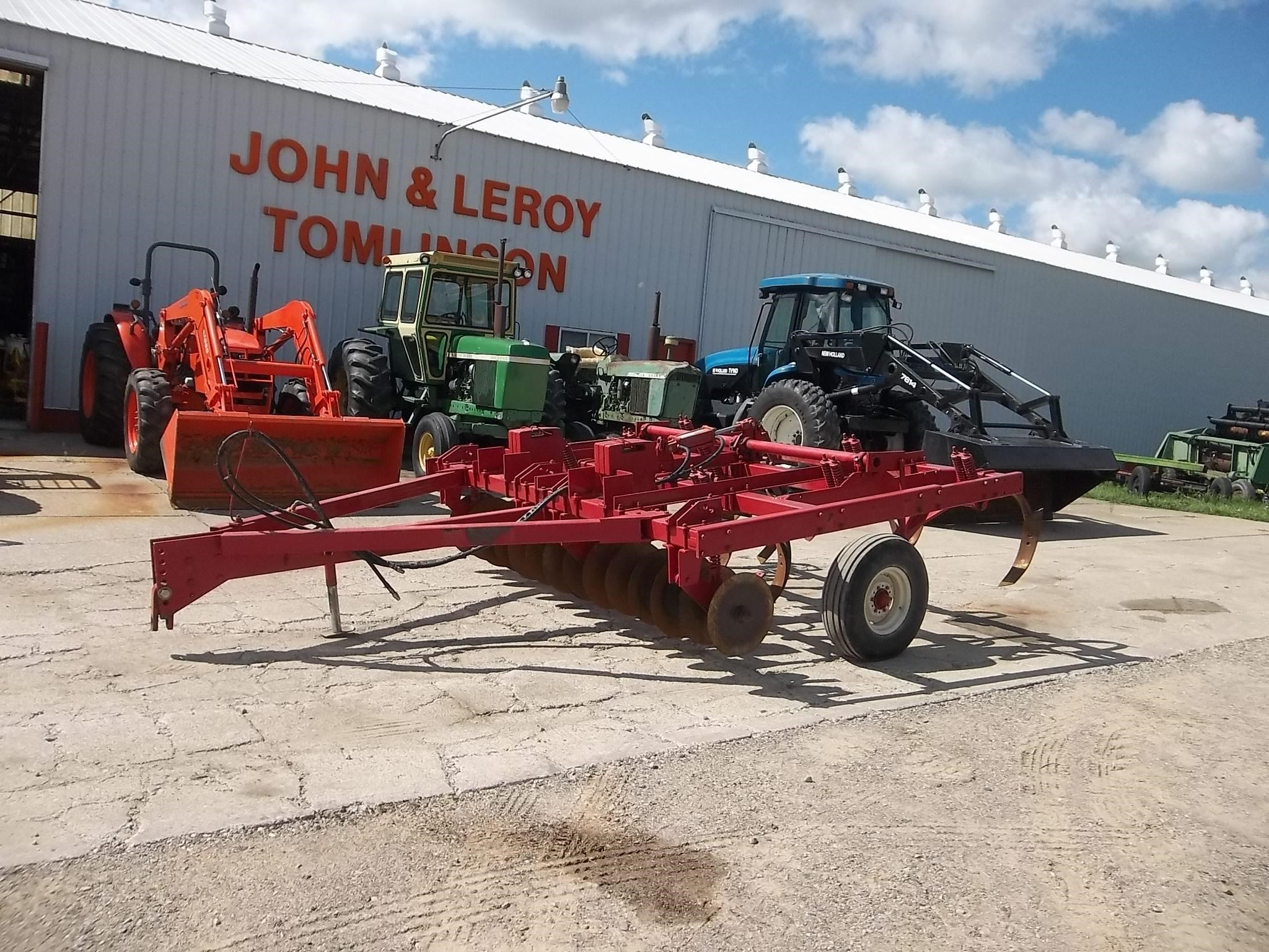 1980 International 5000 Chisel Plow