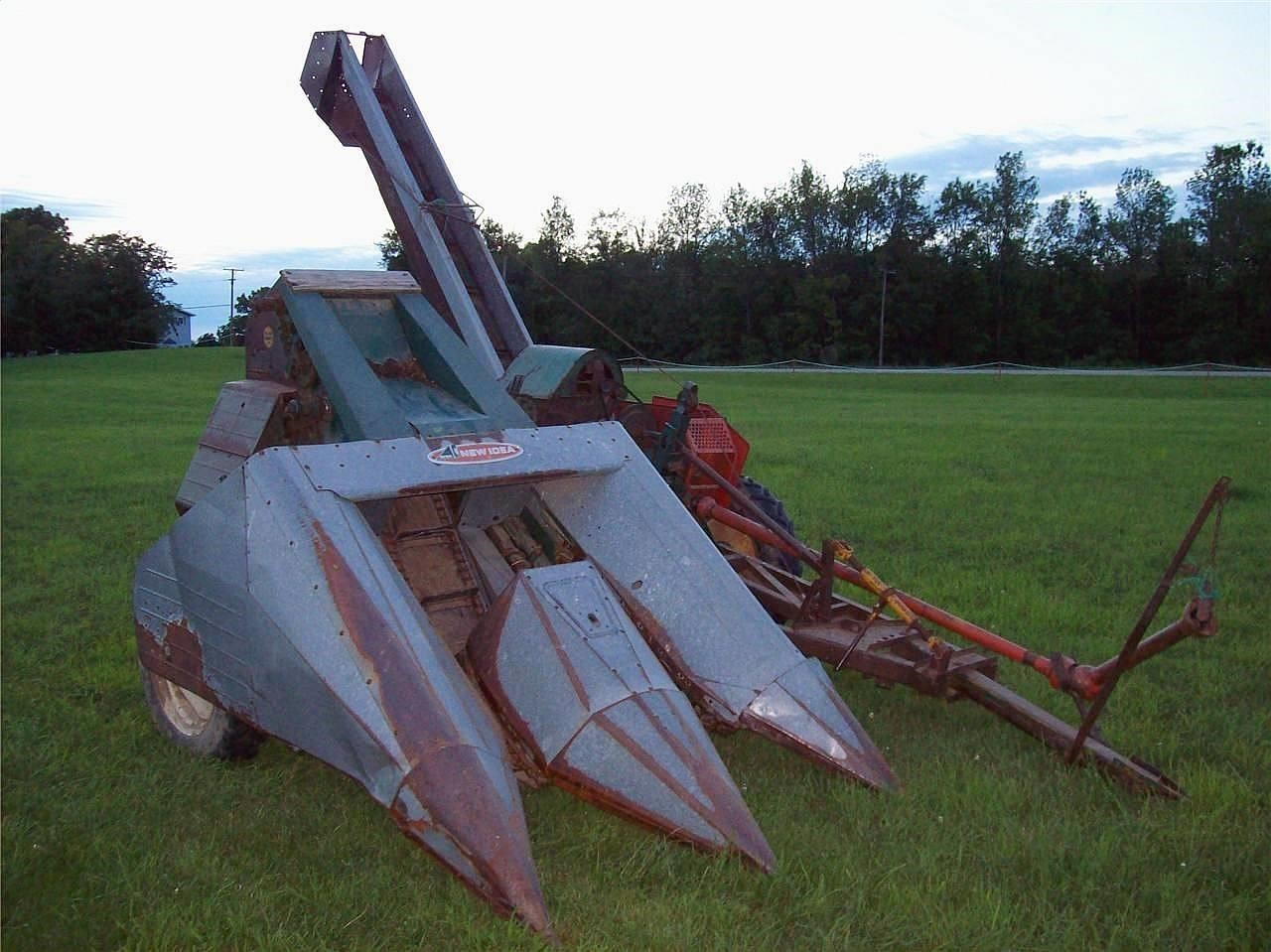 1979 New Idea 325 Pull-Type Forage Harvester