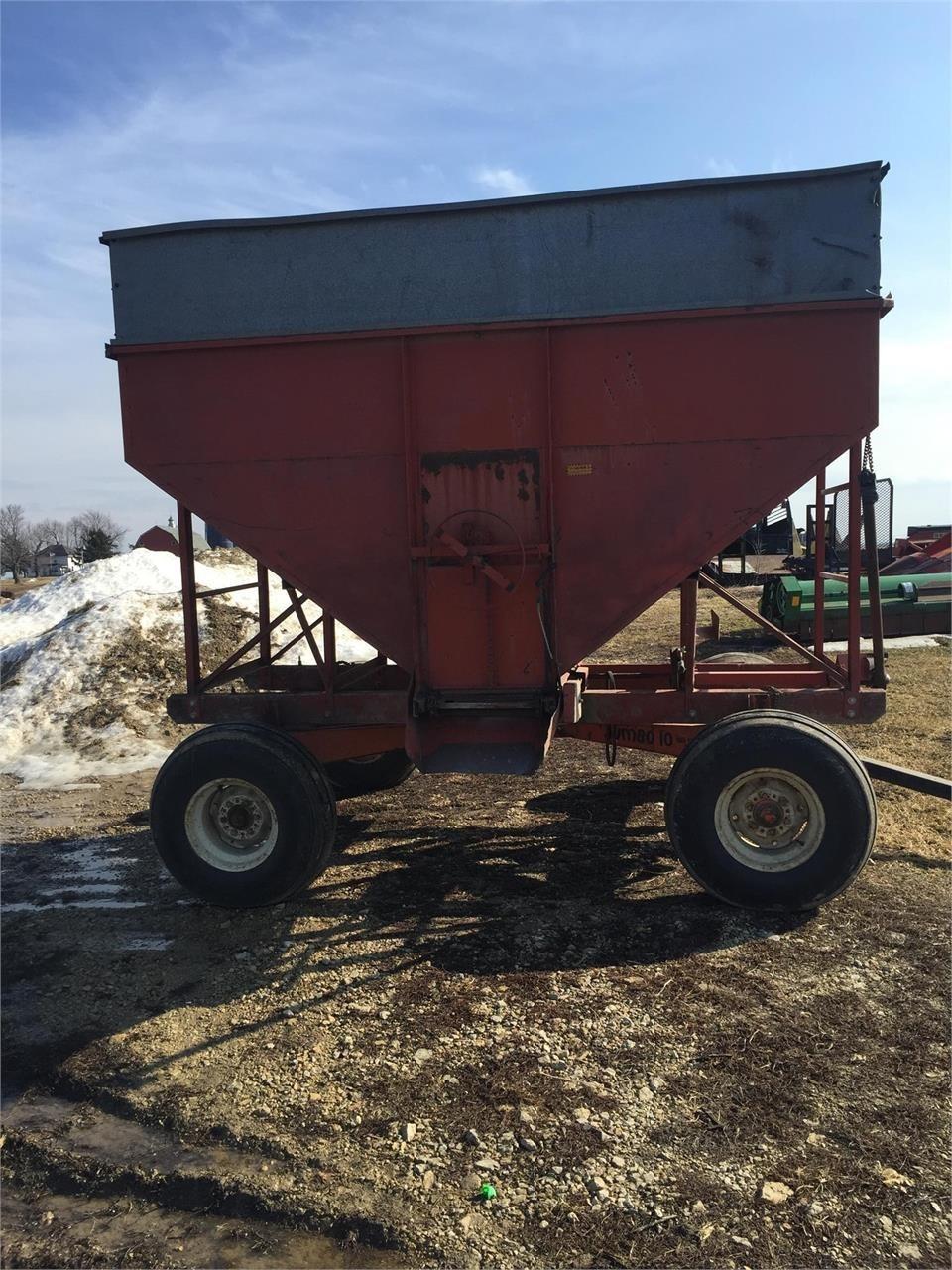 Derco 220 Gravity Wagon