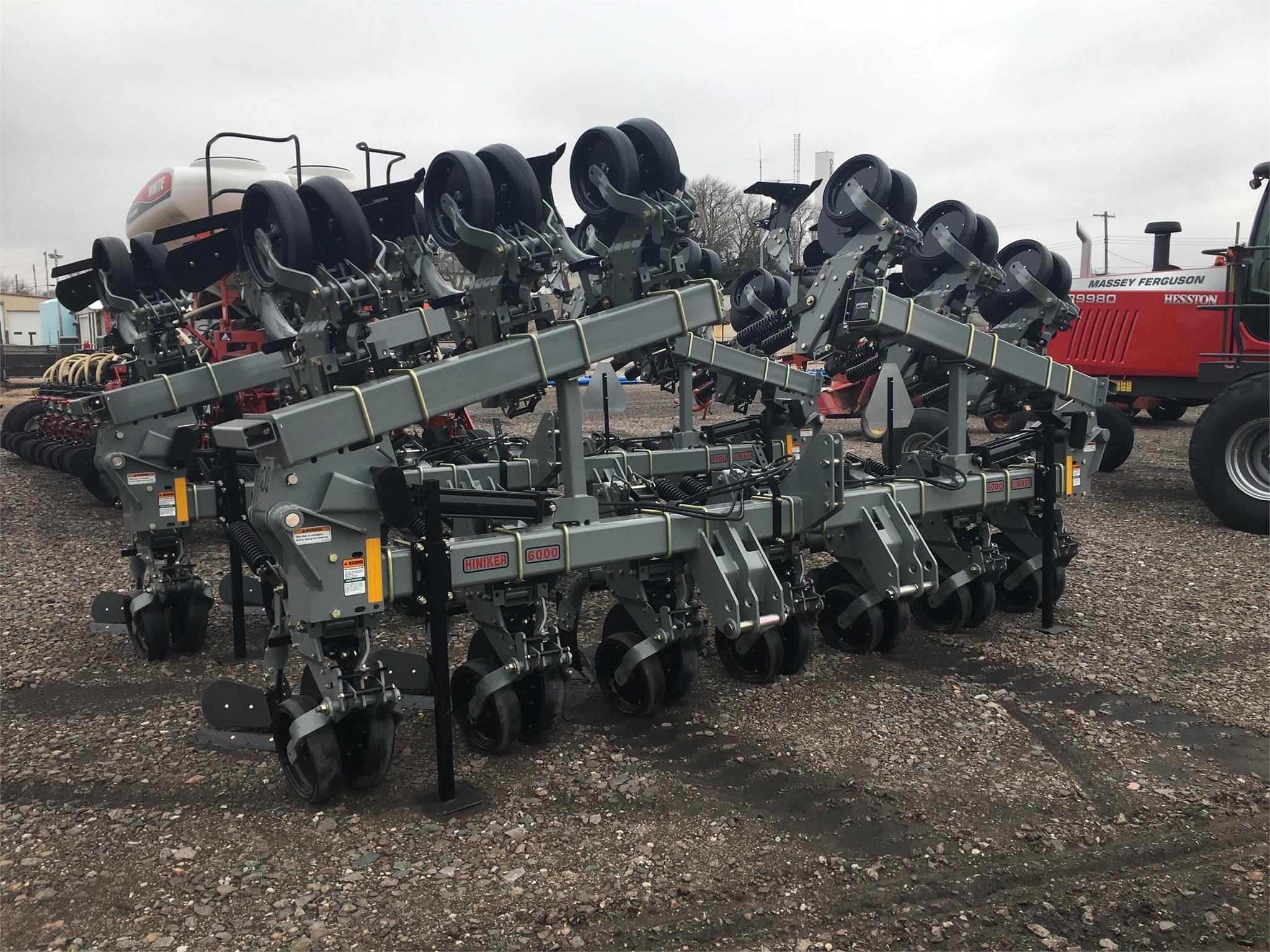 2019 Hiniker 6000 Cultivator