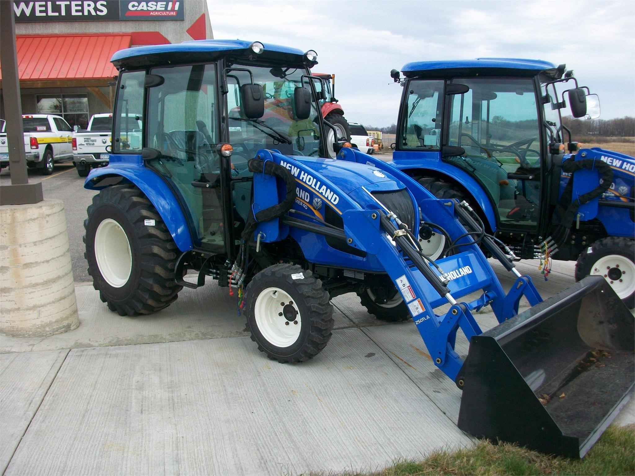 2021 New Holland Boomer 40 Tractor