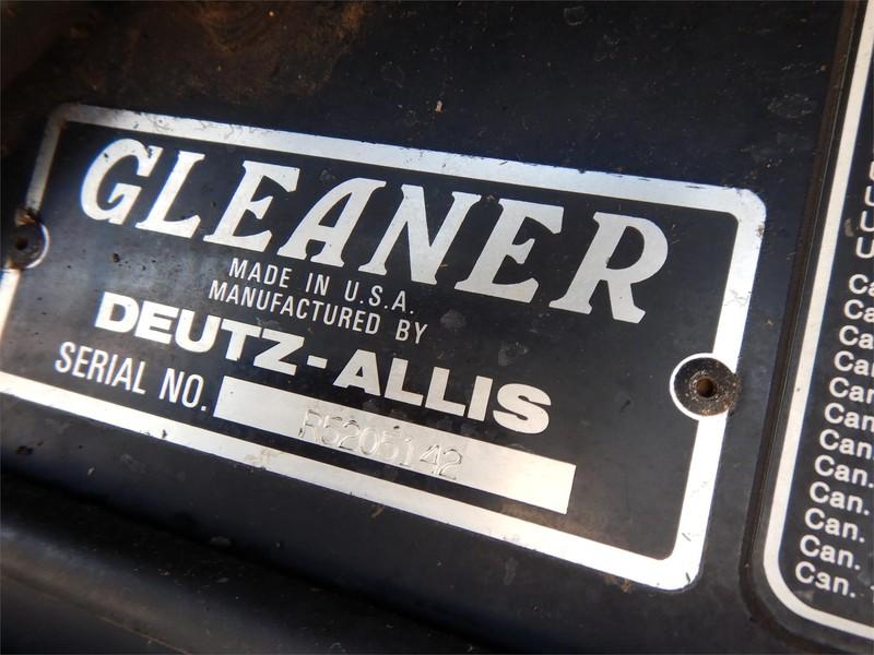 1992 Gleaner R52 Combine