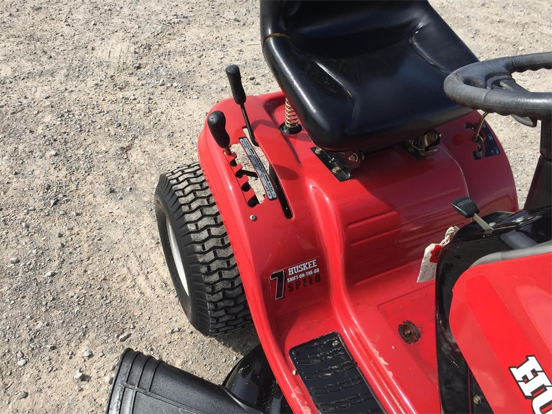 Huskee LT4200 Lawn and Garden - Meeker, Oklahoma | Machinery Pete