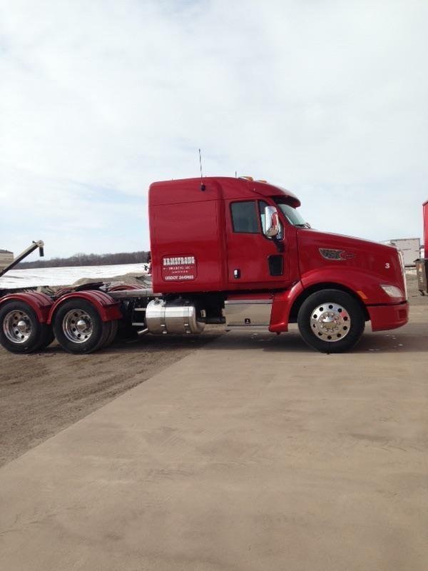 2012 Peterbilt 587 Semi Truck