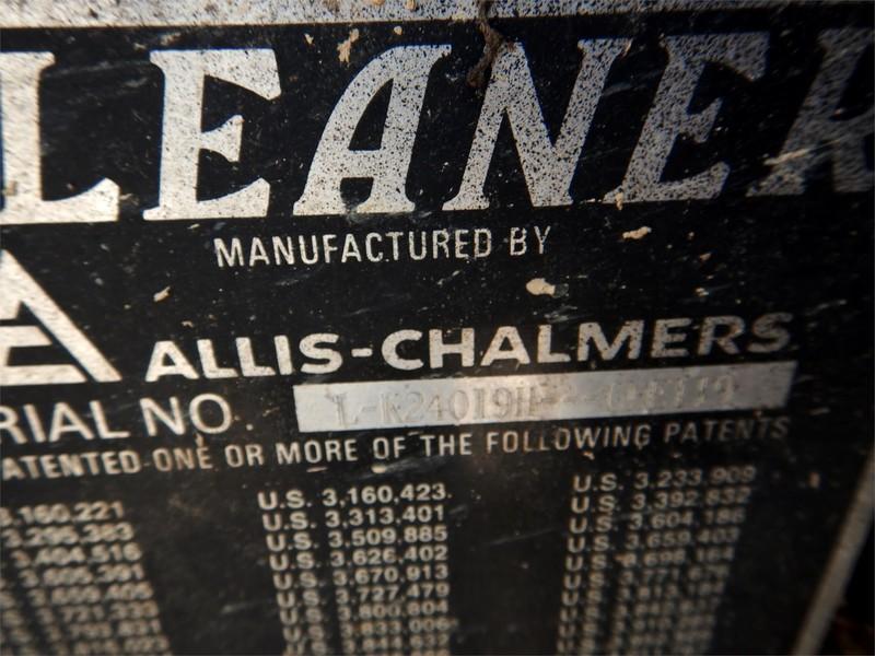 1979 Gleaner L2 Combine