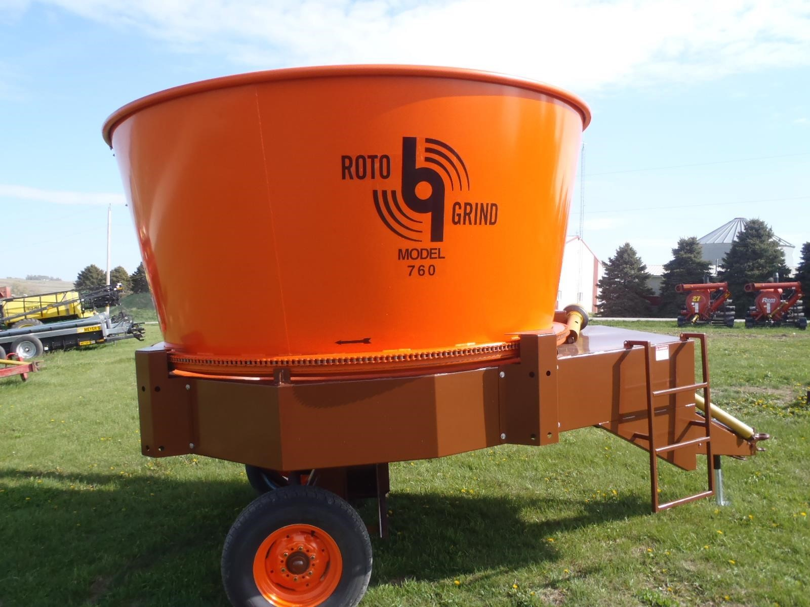 2021 Roto Grind 760 Grinders and Mixer