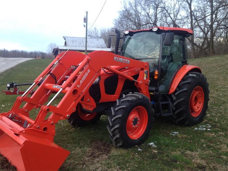 2017 Kubota M5-111HDC12 Tractor
