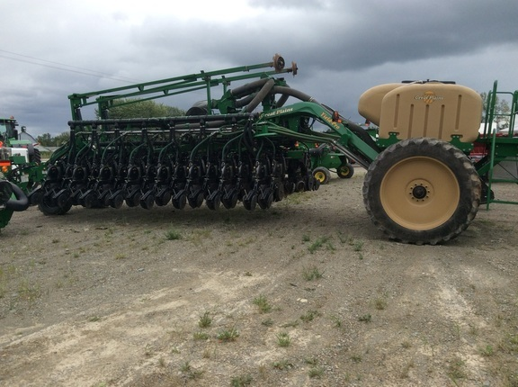 2010 Great Plains YP1625A-32TR Planter