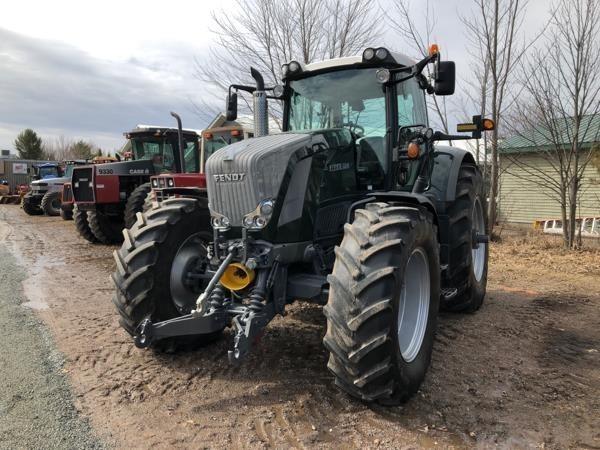 2012 Fendt 824 Vario Tractor
