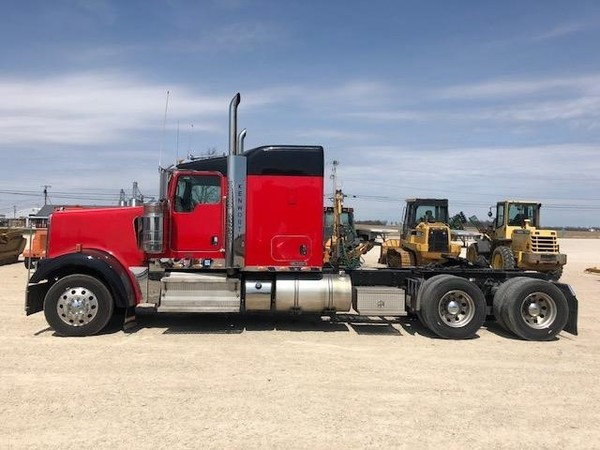 Used Kenworth Semi Trucks for Sale | Machinery Pete