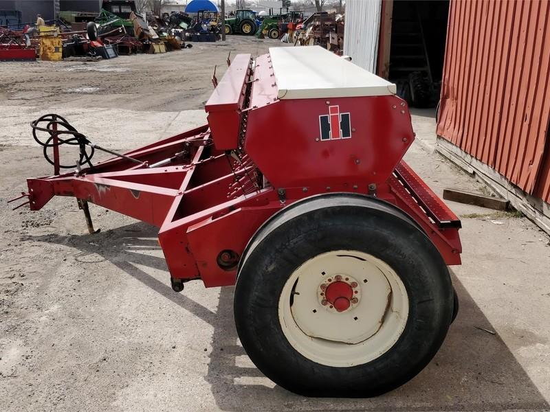 International Harvester 510 Drill