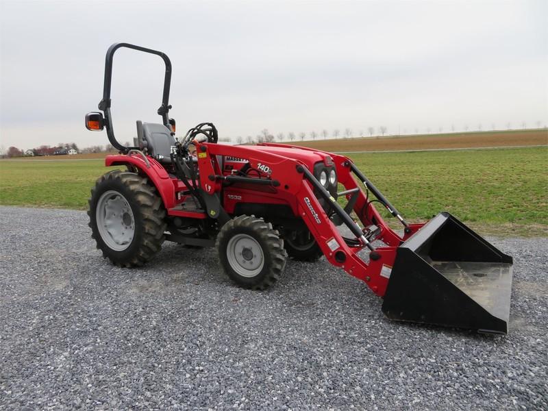 2013 Massey Ferguson 1532 Tractor