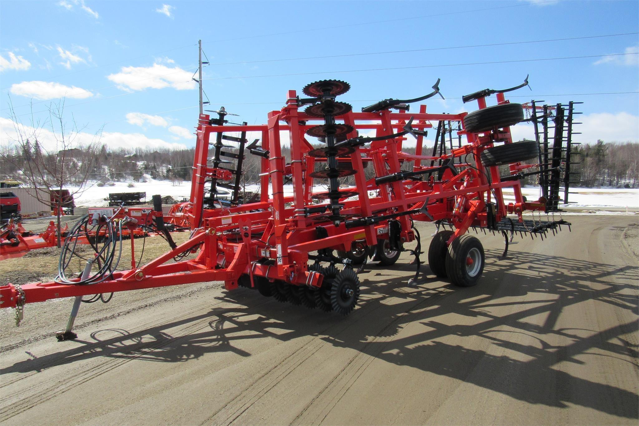 2016 Krause Landsman 6205-21 Soil Finisher
