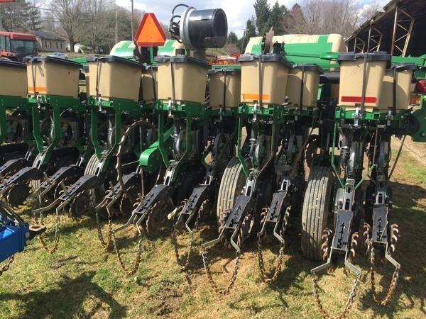 2010 Great Plains YP625A-12TR Planter