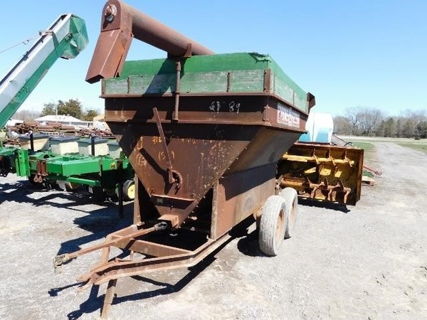Used Grain-O-Vator Feed Wagons for Sale | Machinery Pete