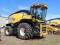 2014 New Holland FR600 Self-Propelled Forage Harvester
